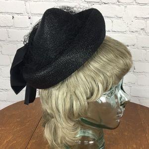 Vintage Black Pill Box Hat w/ Netting & Hat Pin